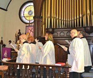 adult choir at trinity lutheran church